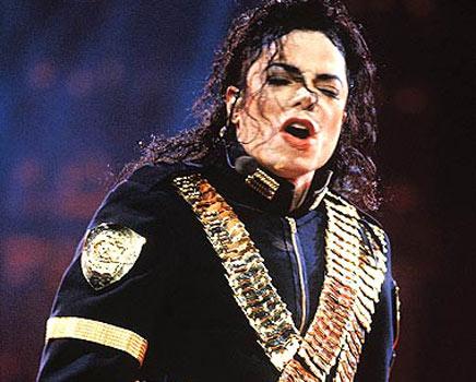 King-Of-Pop-michael-jackson-30793478-436-350